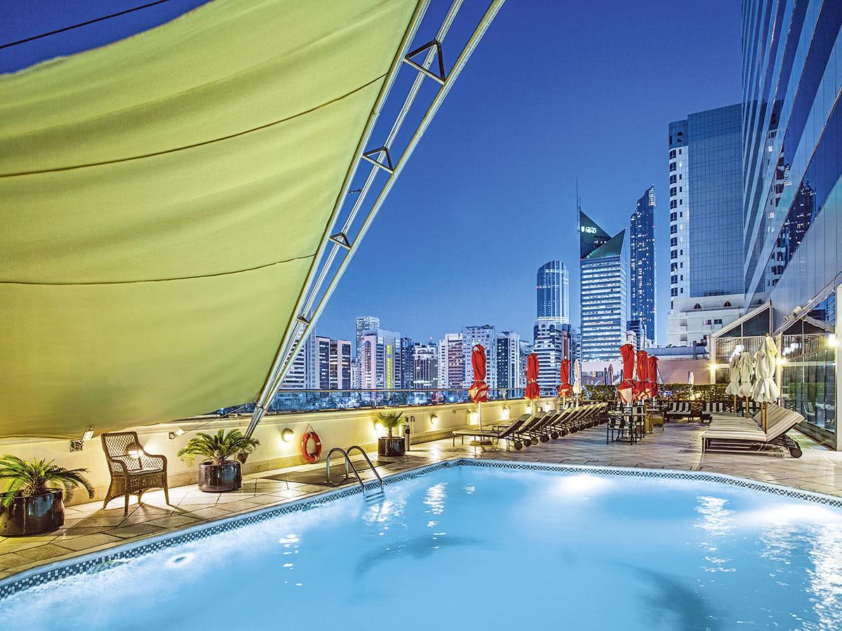 Corniche Hotel (v/h Millennium)