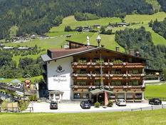 Familien-Wellness-Hotel Dörflwirt (Hainzenberg, Oostenrijk)