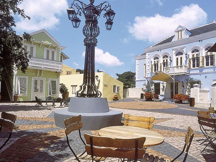 Kura Hulanda Village & Spa