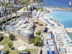 Radisson Blu Beach Resort